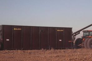 Portable Storage Systems - Balzer offers the 22,500 gallon Frac Tank for convenient, portable storage of liquid manure nutrients.