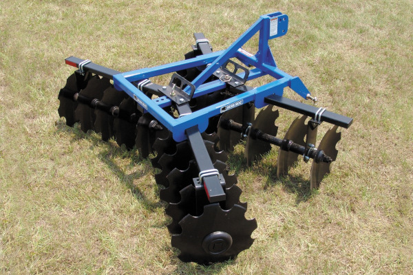 Bush Hog | Harrows | 1D Series Lift Disc Harrows for sale at Kings River Tractor Inc.