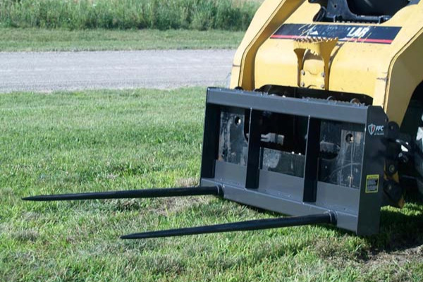 Paladin Attachments | FFC | Bale Spear for sale at Kings River Tractor Inc.