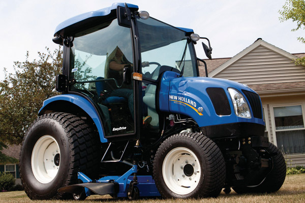 New Holland Boomer™ Deluxe CVT 50D for sale at Kings River Tractor Inc.