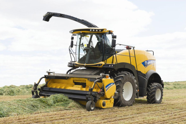 New Holland | FR Forage Cruiser SP Forage Harvesters | Model FR550 for sale at Kings River Tractor Inc.