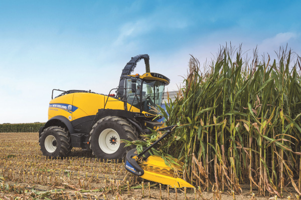 New Holland | FR Forage Cruiser SP Forage Harvesters | Model FR920 for sale at Kings River Tractor Inc.