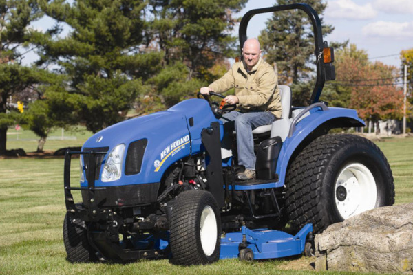 New Holland | Front Loaders & Attachments | Mid-Mount Finish Mowers for sale at Kings River Tractor Inc.