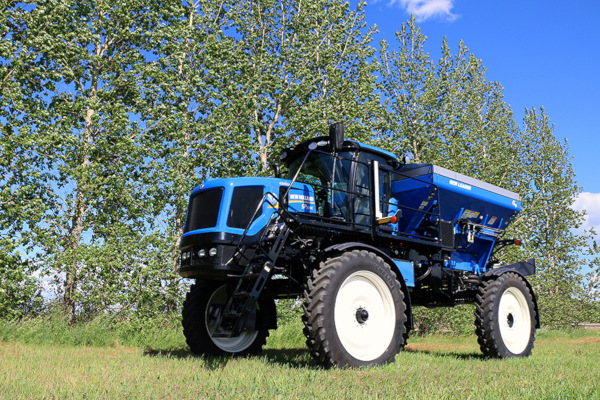 New Holland | Guardian Rear Boom Sprayers - Tier 4B | Model SP.300C for sale at Kings River Tractor Inc.