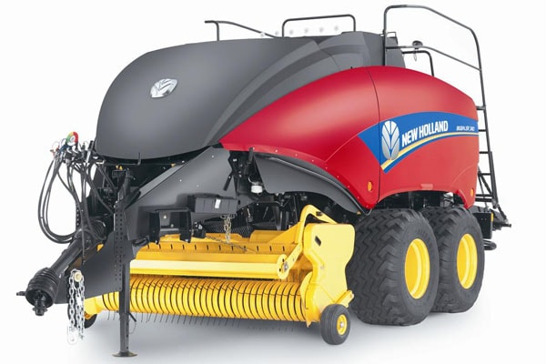 New Holland BigBaler 330 Plus CropCutter™ Packer Cutter for sale at Kings River Tractor Inc.