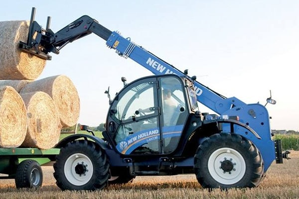 New Holland | Large-Frame Telehandlers - Tier 4B | Model LM9.35 for sale at Kings River Tractor Inc.