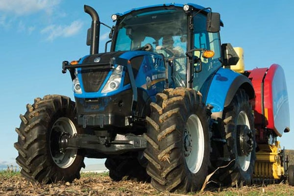 New Holland | T5 Series - Tier 4B | Model T5.90 Dual Command™ for sale at Kings River Tractor Inc.